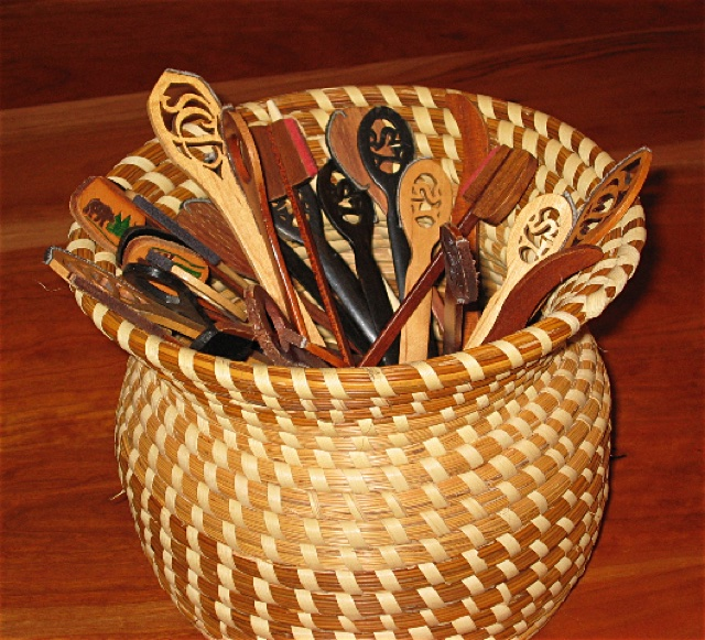 Hammered dulcimer hammers in a basket
